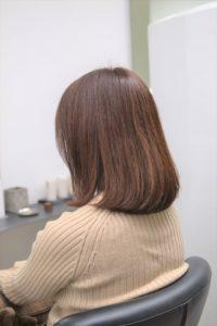 ぱさついた髪の女性